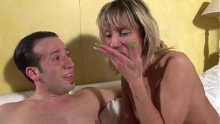 French Cougar loves hardcore sex