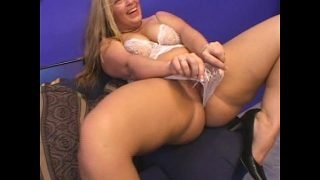Mature blonde BBW does anal then jizzed