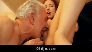 Old man receives young pussy sexual thanking