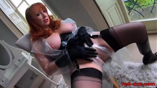 Sexy mature Red XXX loves her big black dildo
